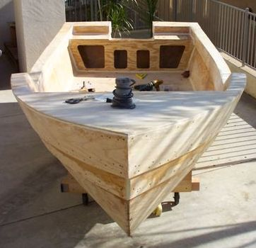 Console Skiff Design - Boatbuilders Site on Glen-L.com